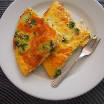 Frittata z brokułami i ciągnącym się serem