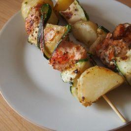 Łosoś z cukinią, ananasem i dobre żeberka –  grill