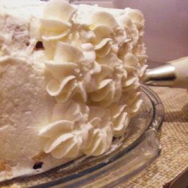 Tort w 3 krokach: cz. 3 – zdobienie tortu