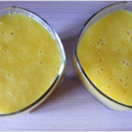 Żółty mus – mango, banan i pomarańcza