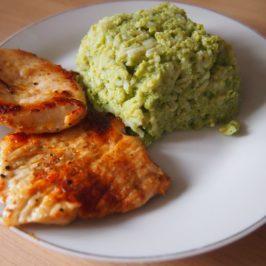 Brokułowy ryż i kurczak