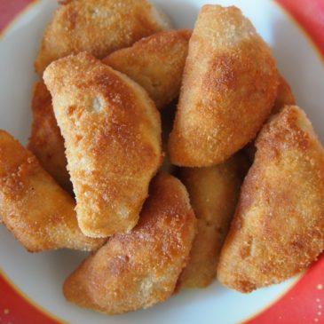 Pierożki brazylijskie z kurczakiem i z serem