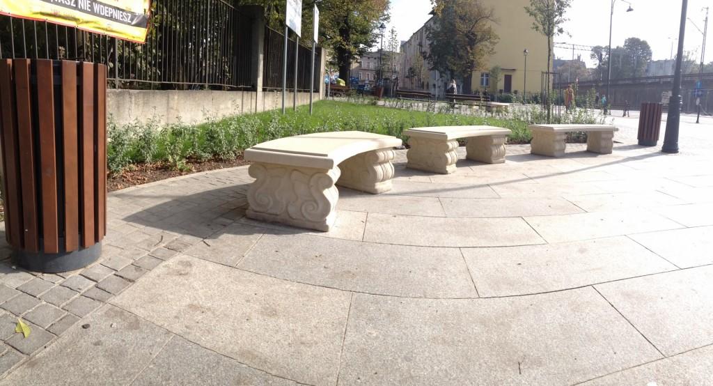 Pięknie odrestaurowany park.