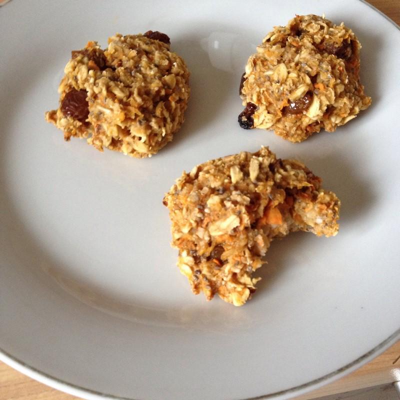 Ciasteczka owsiane z chia i marchewką