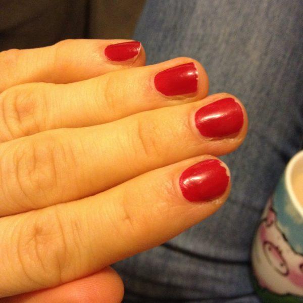 odżywka Eveline 8w1, Rimmel Salon Pro kolor, na to Essie topcoat - stan po 2h od nałożenia