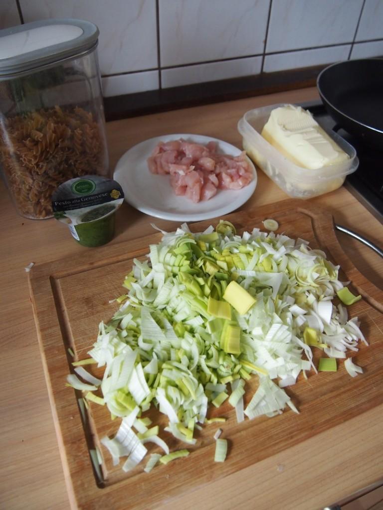 Dwa zielone składniki i kurczak.