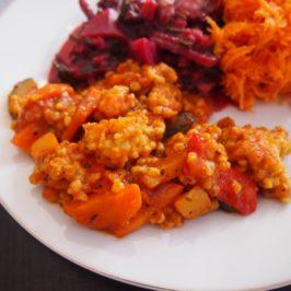 Kasza orkiszowa z warzywami w sosie pomidorowo-ostrygowym