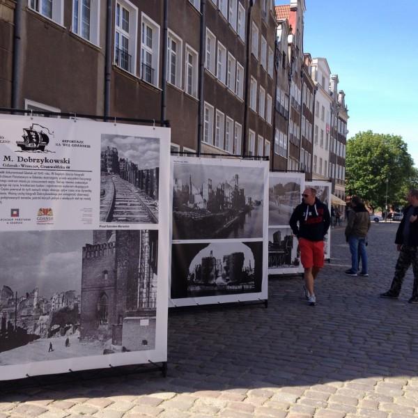 Wystawa plenerowa zdjęć Mariana Dobrzykowskiego, Gdańsk 1945-1960