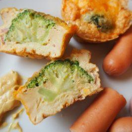 Muffinki z masy jajecznej i brokułów