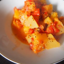 Cukinia z jabłkami i papryką na ciepło