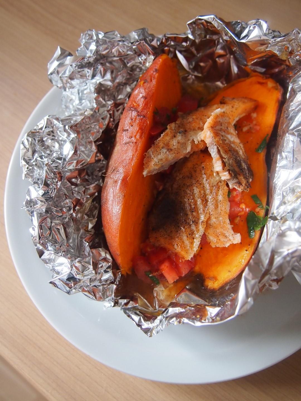Pieczone bataty z salsą pomidorową