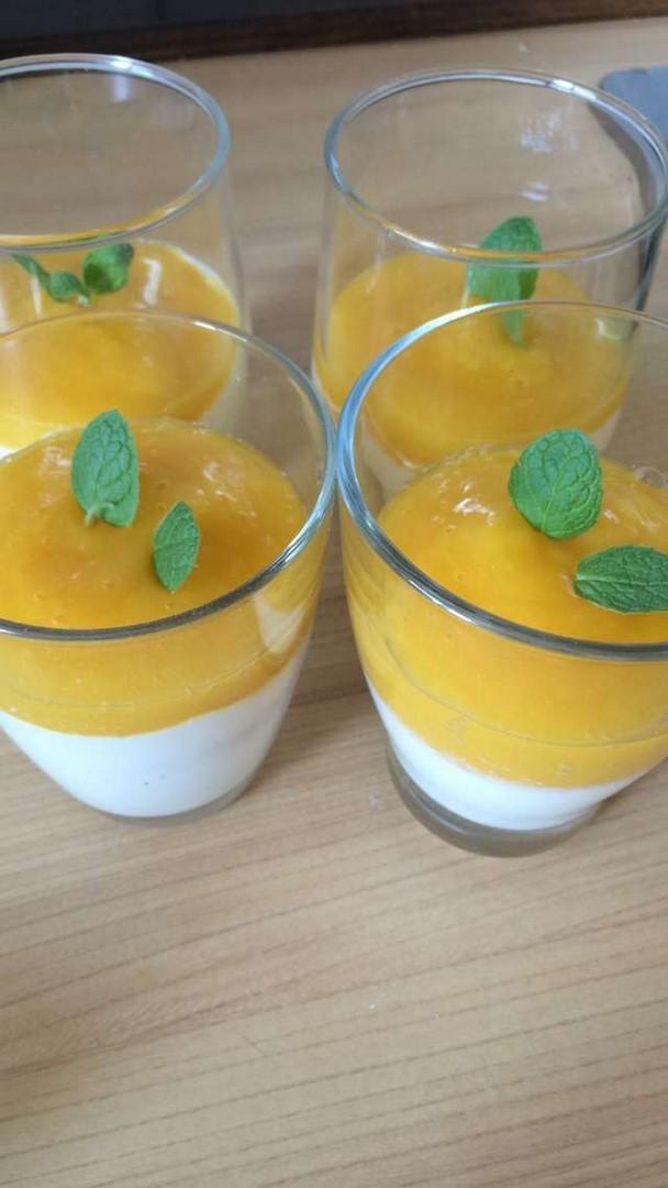 Jogurt grecki z mango