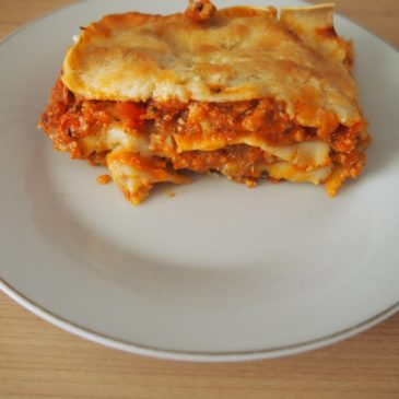 Lasagne z sosem mięsno-pomidorowym
