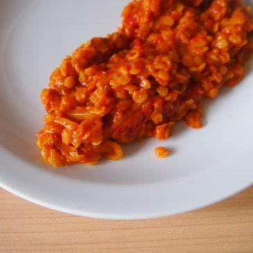 Curry z czerwoną soczewicą